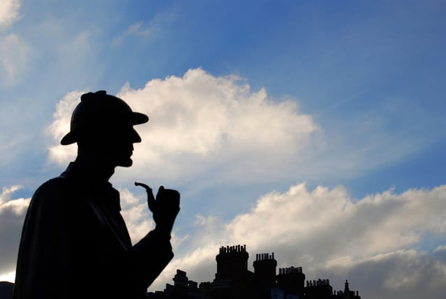Silhouette of Sherlock Holmes statue in Baker Street, London